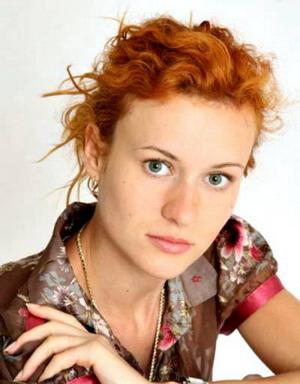 Татьяна Лянник - Оля, жена Лобанова (7-я, 14-я, 16-я, 20-я, 24-я, 25-я, 27-я, 29-я, 31-я, 38-я, 46-я, 49-я, 53-я серии)