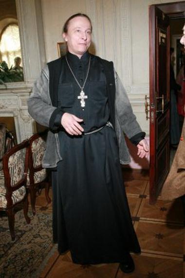 Иван Охлобыстин в церкви.